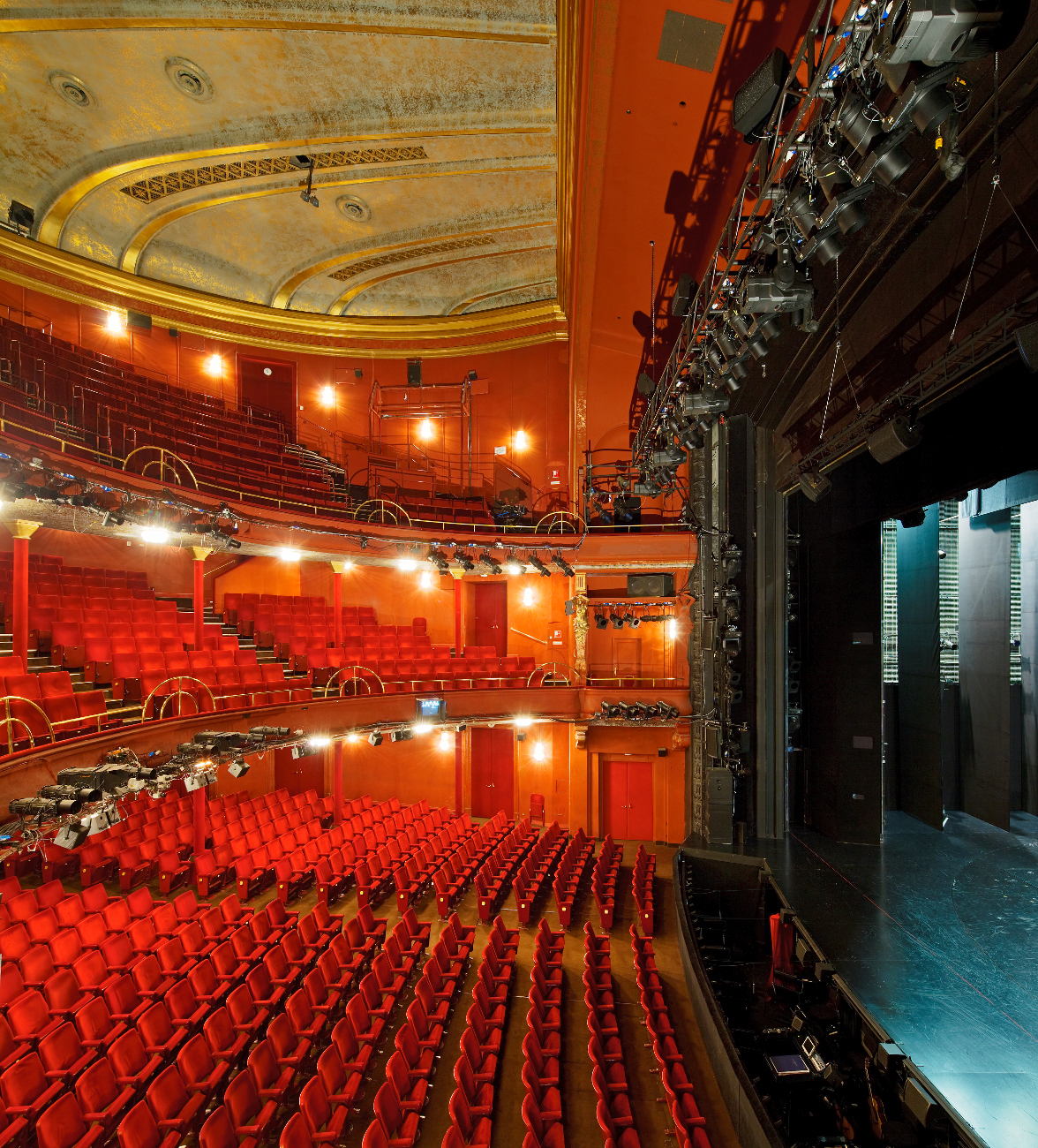 Easy And Convenient Booking of Her Majestys Theater London
